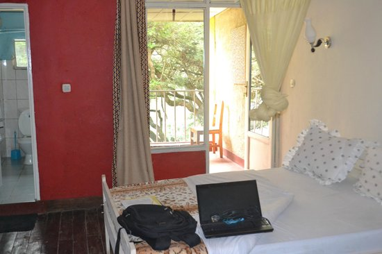 Discover Rwanda Youth Hostel : Private Room