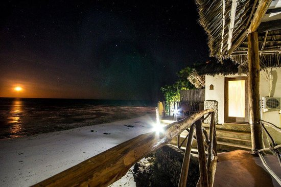 Coral Rock Zanzibar: The golden moonrise seen from the rooms at the end!