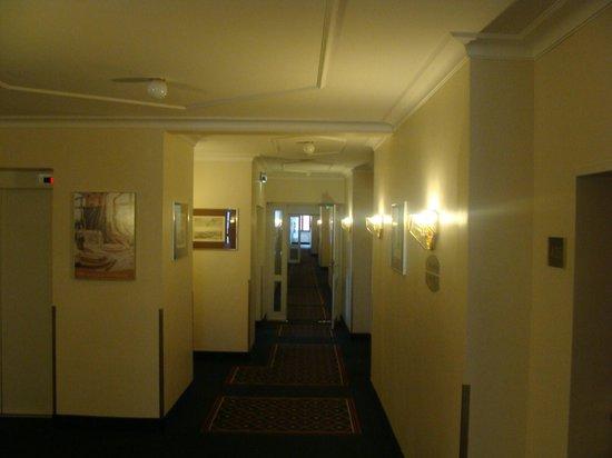 Platzl Hotel : холл