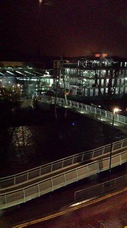 Radisson Blu Hotel, Durham: View of canal