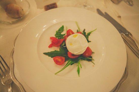 Palazzo Marziale: Yummy starter - Mozzarella di Bufala
