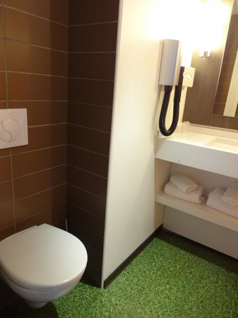 Ibis Styles Lyon Centre - Gare Part Dieu : banho