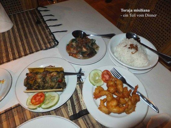 Toraja Misiliana Hotel: Teil des Dinners