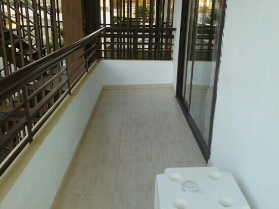 BQ Belvedere Hotel : half of our balcony room 107
