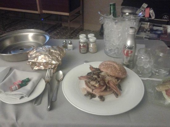 MGM Grand Hotel and Casino: Roomservice!!