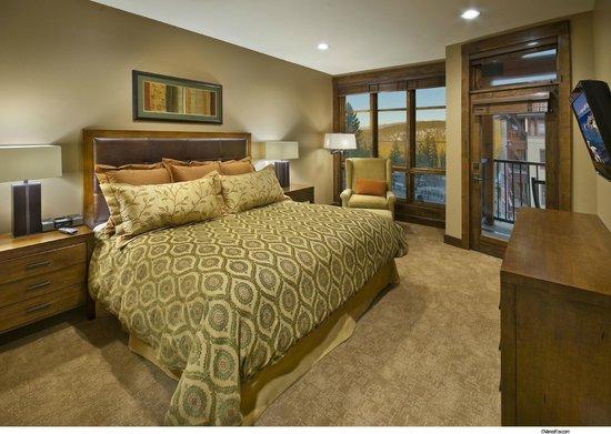 Northstar Lodge by Welk Resorts : Master Suite Bedroom