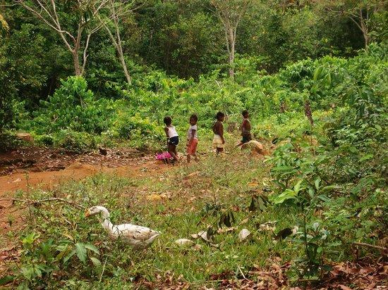 Lokobe Nature Special Reserve: bambini del villaggio