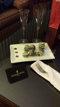 The Westshore Grand, A Tribute Portfolio Hotel, Tampa: Our treats!!!