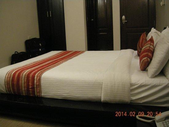 Hotel Grand Dhillon: Room