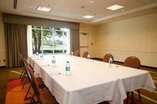 Hilton Garden Inn Wichita Hotel 2041 North Bradley Fair