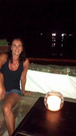 Kumaras Restaurante & Lounge: O local é muito aconchegante e romântico.... Adorei!!!
