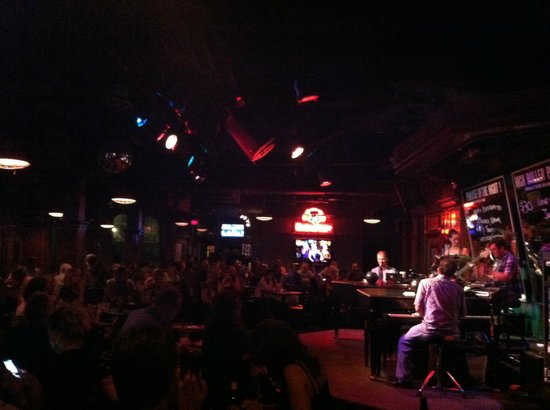 Howl at the Moon Saloon: Stage