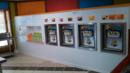 Cocoa Froyos: Soft-serve machines
