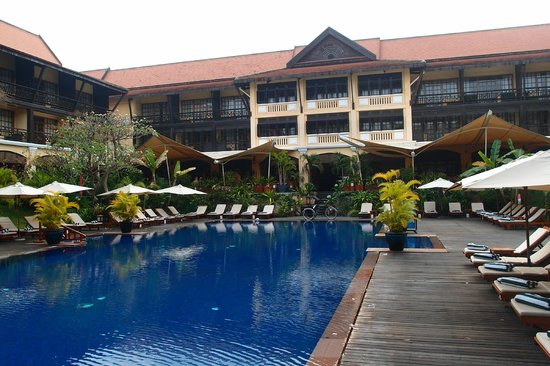 Victoria Angkor Resort & Spa : swiming pool