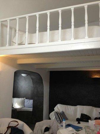 """Armeni Village Rooms & Suites: Балкон-""""второй этаж"""""""