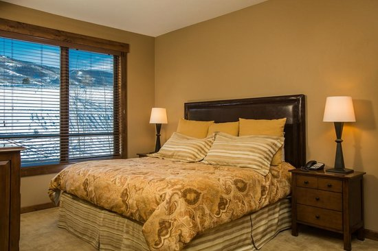 Trailhead Lodge: Sample Bedroom
