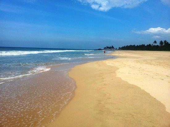 Villa Ranmenika: Strand von Ahungalla - 3 Minuten von der Villa