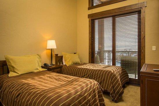 Trailhead Lodge : Bedroom Example