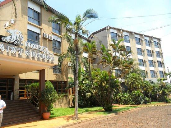 Hotel Saint George: Entrada al hotel