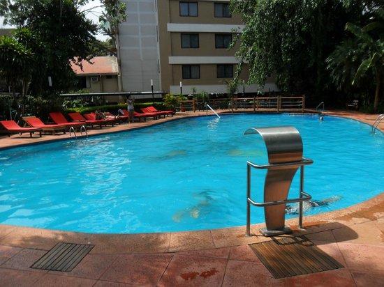 Hotel Saint George: Vista de la piscina