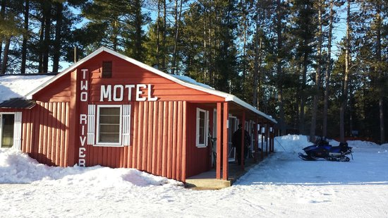 ‪Two Rivers Motel and Cabins‬