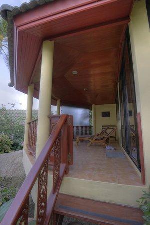 Samui Mountain Village: Terasse der Fern Villa 5