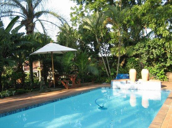 De Charmoy Estate Guest House: Pool