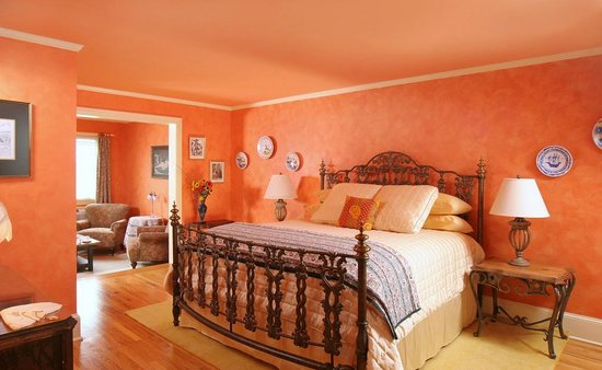 L'Auberge Provencale Bed and Breakfast: Larousse
