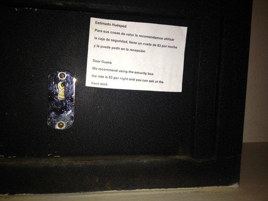 Hotel Guanamar: Safe kostet 3 Dollar :-D !!!!!