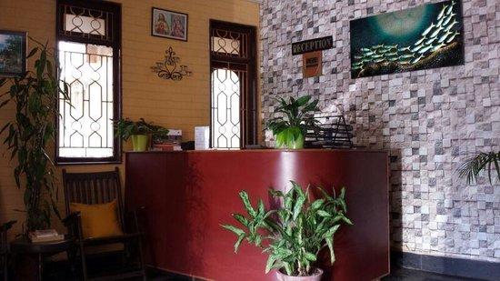 Hotel Bonanza: Reception