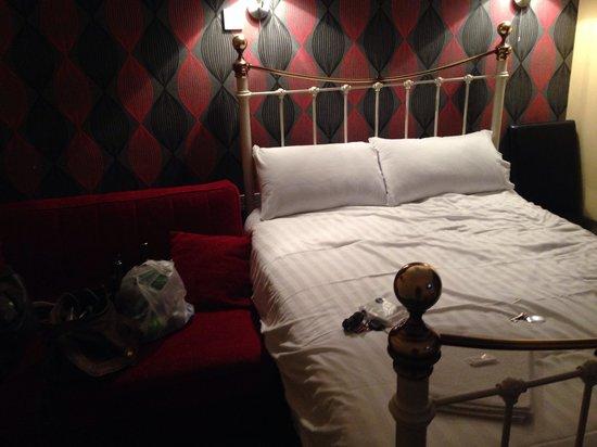 New Osborne Hotel: Room 5