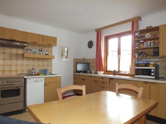 Gotthardt Apartmenthaus: Woon eetkeuken appartement A