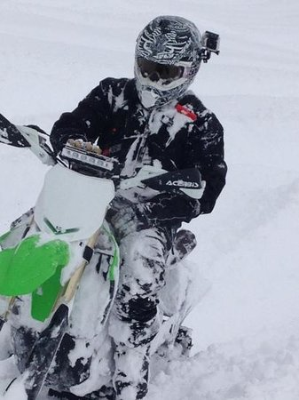 Kendall Valley Lodge: Snowbikes Welcome