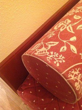 Inter Hotel Alteora site du Futuroscope: l etat des couvre lits