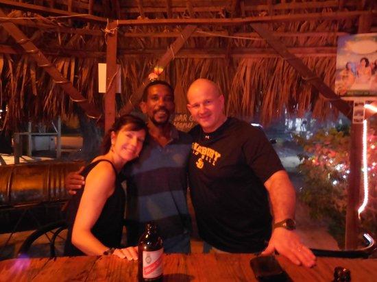 De bar: Hanging with Eddie