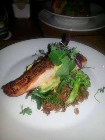 Royal Isabela: Unbelievable salmon dish