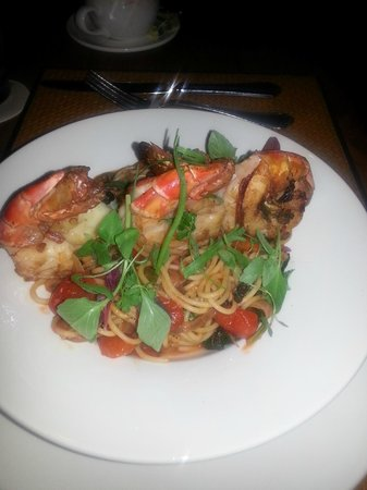 Royal Isabela: Delicious spaghetti and shrimp dish