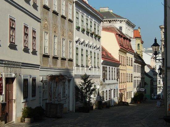 K+K Hotel Maria Theresia: Quartier de l'hôtel (Spittelberg)
