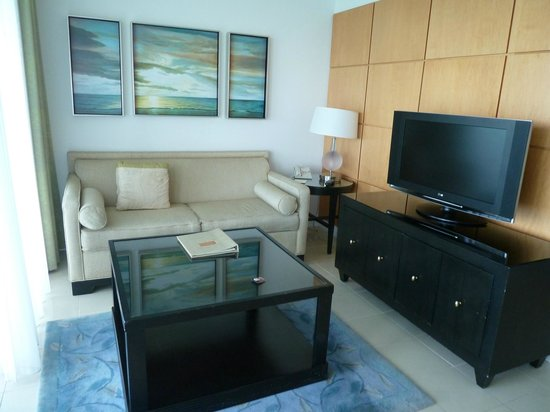 Pier House Resort & Spa: Living Room area