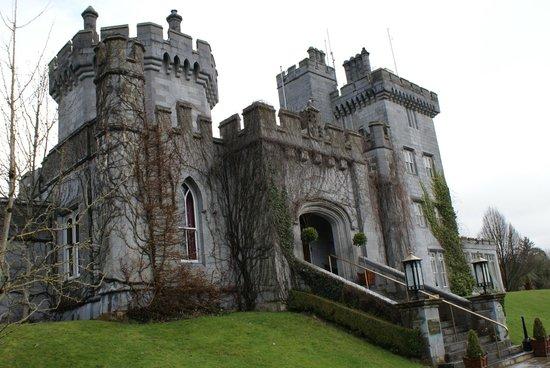 Dromoland Castle Hotel : Entrance tothe  Castle