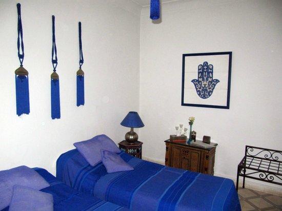 Riad Dar Khmissa Marrakech : Один из номеров