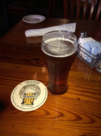 Crescent City Brewhouse : Decent homebrew, Crescent City