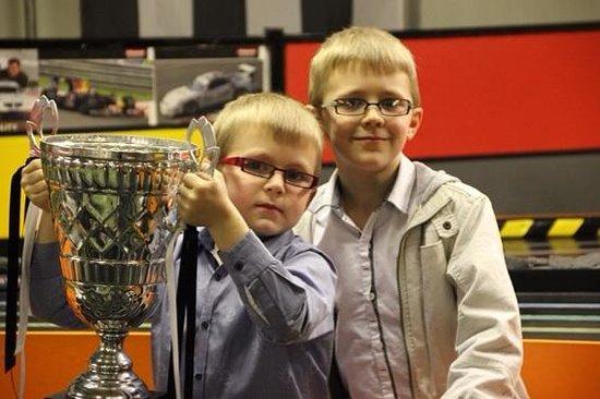Stonerig Raceway : My boys and the winners trophy!