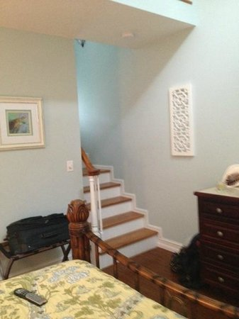 SeaGlass Inn Bed and Breakfast: Stairway to Loft Area