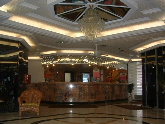 Bal Harbour Hotels: Lobby 2