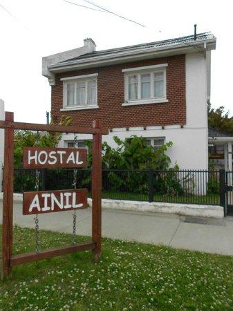 Hostal Ainil: Vista desde a Rua Navarro