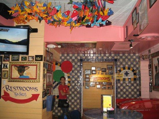 Chuy's: Fun designed dining area