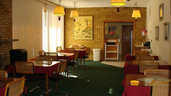 Mariner Motor Hotel: Breakfast Room