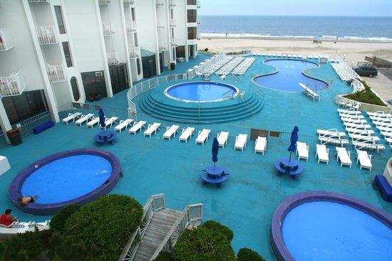 Bal Harbour Hotels: Pool Deck