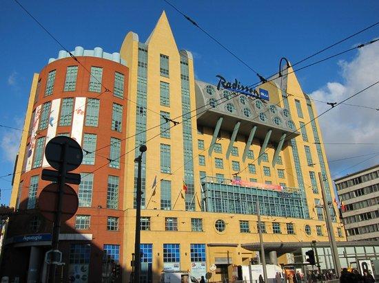 Radisson Blu Astrid Hotel, Antwerp: Отель с площади